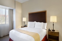 3 night Embassy Suites Detroit Airport