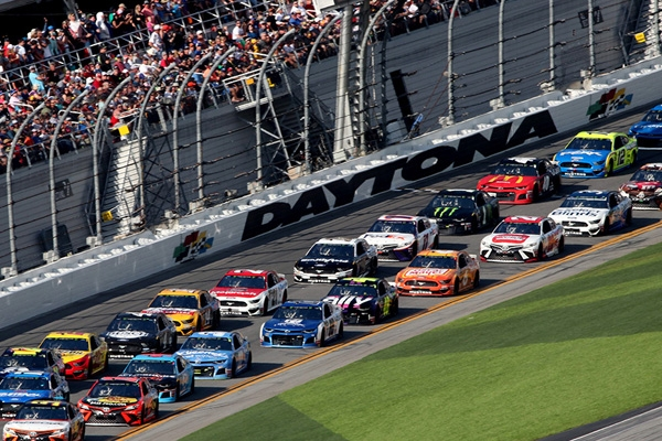 Calendrier Nascar 2021 2021 NASCAR Packages & Tickets, Monster Energy Cup Schedule