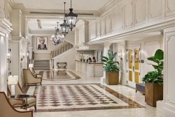 Astor Crowne Plaza New Orleans Hotel