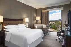 3 night Sheraton Crescent Hotel - Spring Race 2022