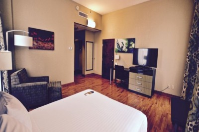 4 night Holiday Inn Express Cleveland Downtown