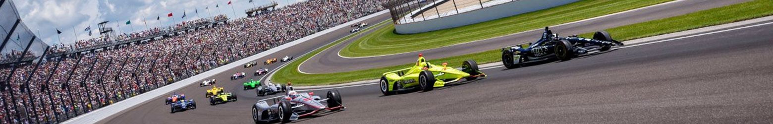 Indy 500 racing at Indianapolis Motor Speedway