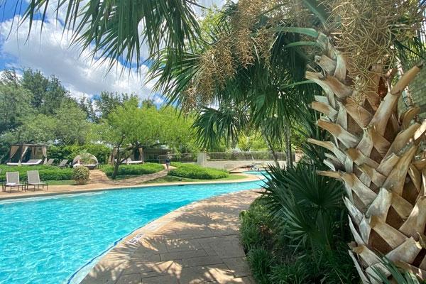 The Pool at the Four Seasons Las Colinas Resort
